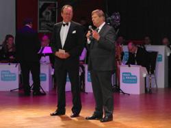 Eröffnungsansprachen: Forum-Vorsitzender Winfried Mokrus mit Kultur- und Personaldezernent Harald Härke
